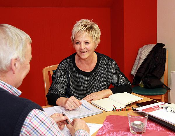 Neues Beratungsangebot nimmt Pflegegrade unter die Lupe