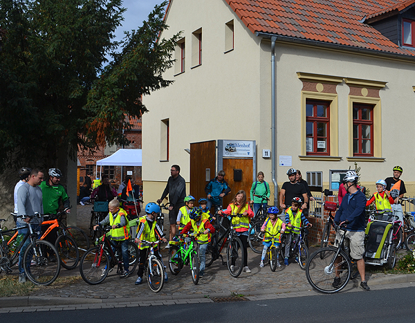 Radtour führt Familien durch die Gemeinde