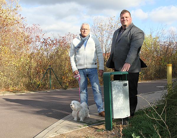 Auf Bürgeranliegen reagiert: Gemeinde Barleben stellt zusätzliche Abfallbehälter auf