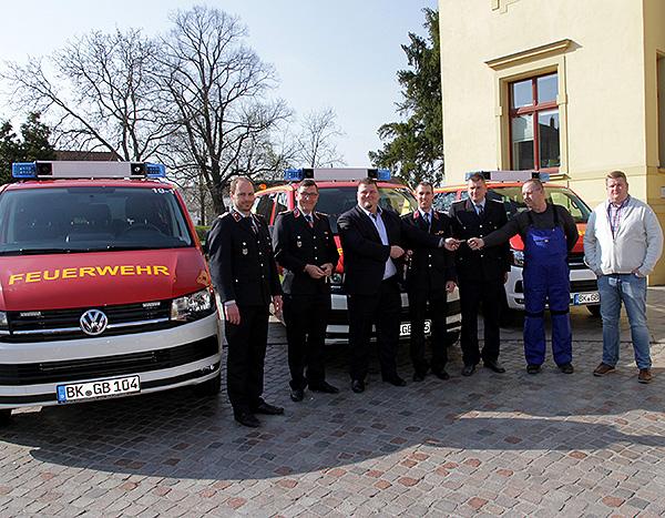 Feuerwehren erhalten neue Mannschaftswagen
