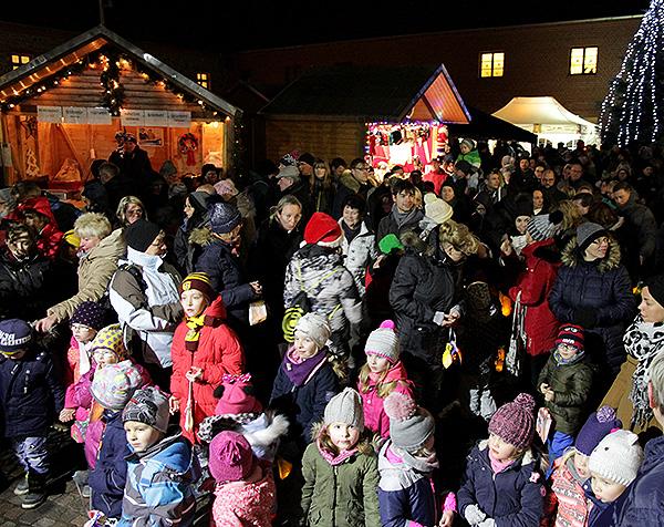 Barleber Weihnachtsmarkt Anziehungspunkt für zahlreiche Besucher