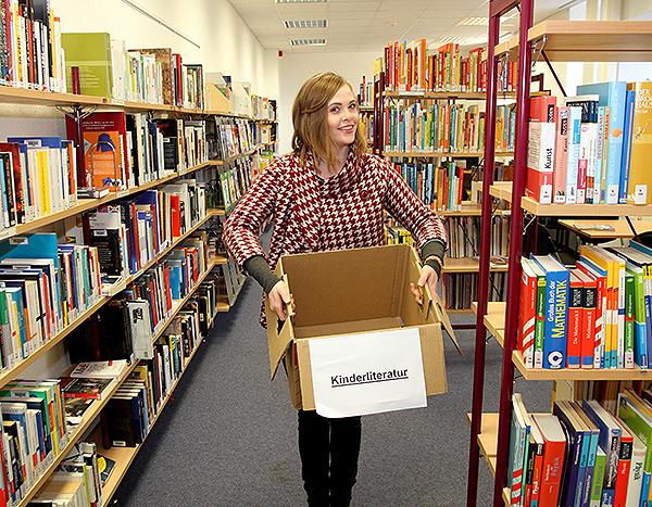 Bücherflohmarkt Resonanz leere Kiste