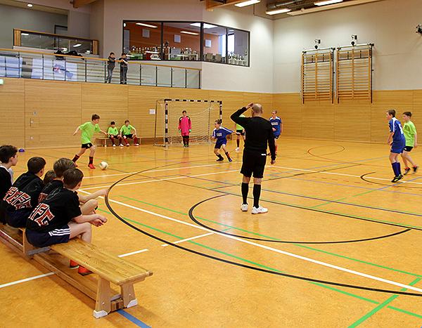 Schulsozialarbeit_Fußballturnier_Spiel