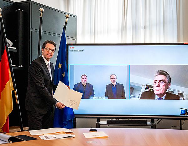 Hand in Hand: Politik und Wirtschaft initiieren 5G-Projekt in Barleben