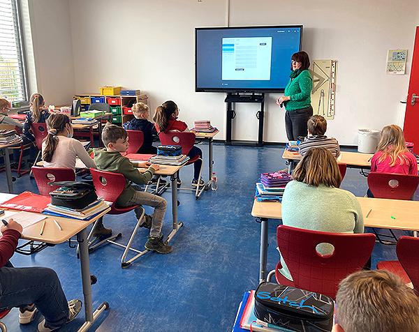 Schul_IT_Digitale_Tafeln_Unterricht