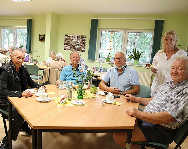 Senioren treffen sich am Nachmittag