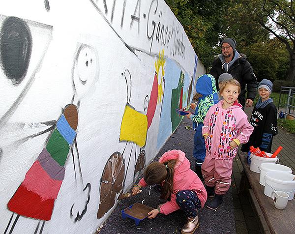 Projekt  Bunte Kitawand  - Kinder malen sich ihre Welt