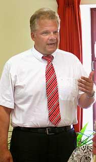 Herr Schwab